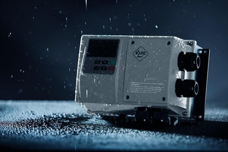 frekvenční měnič 1,5kw X550
